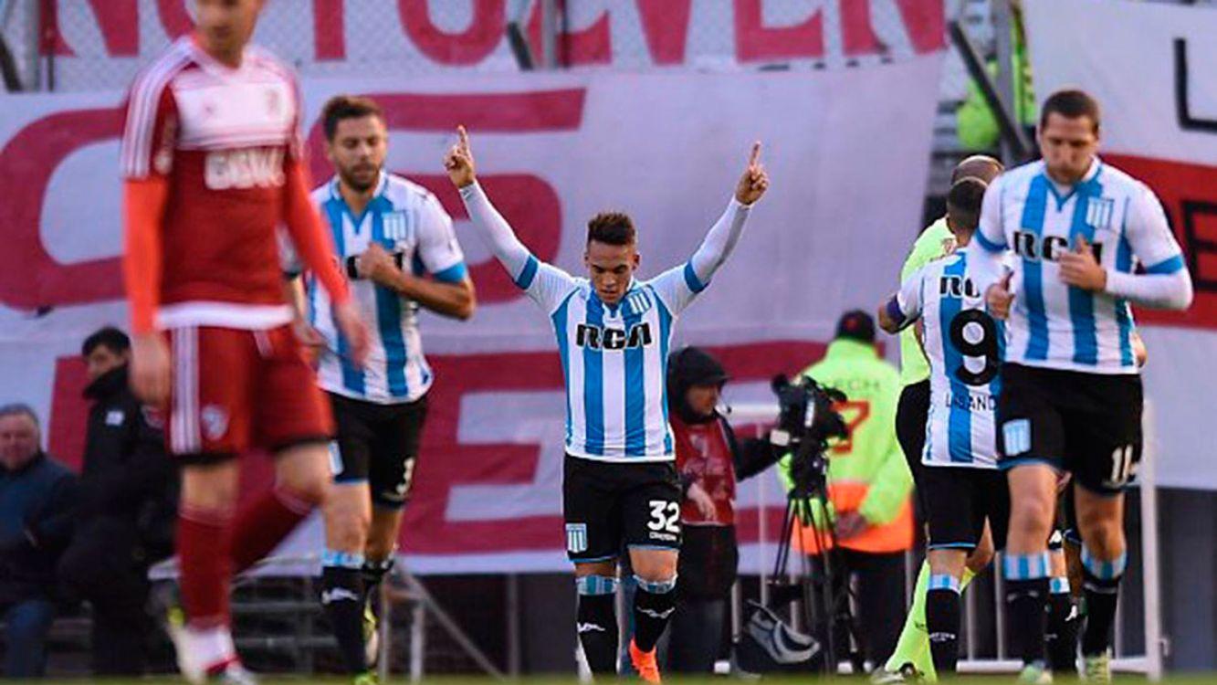 Lautaro Martinez festeja su gol