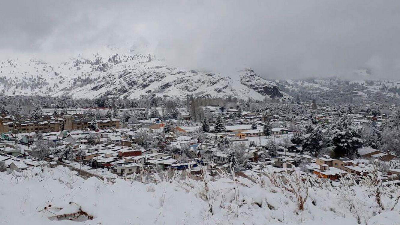 Localidades de Santa Cruz sin gas por intenso temporal de nieve