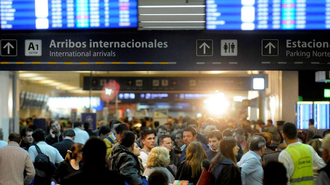 330 vuelos cancelados! Gremios ratifican el paro aeronáutico del 31 de octubre
