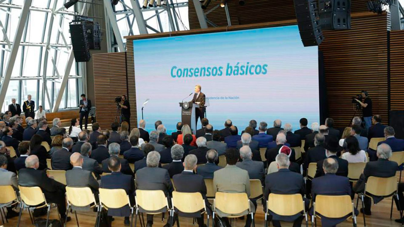 El Presidente convocó a un acuerdo nacional para crear empleo y reducir la pobreza en el CCK