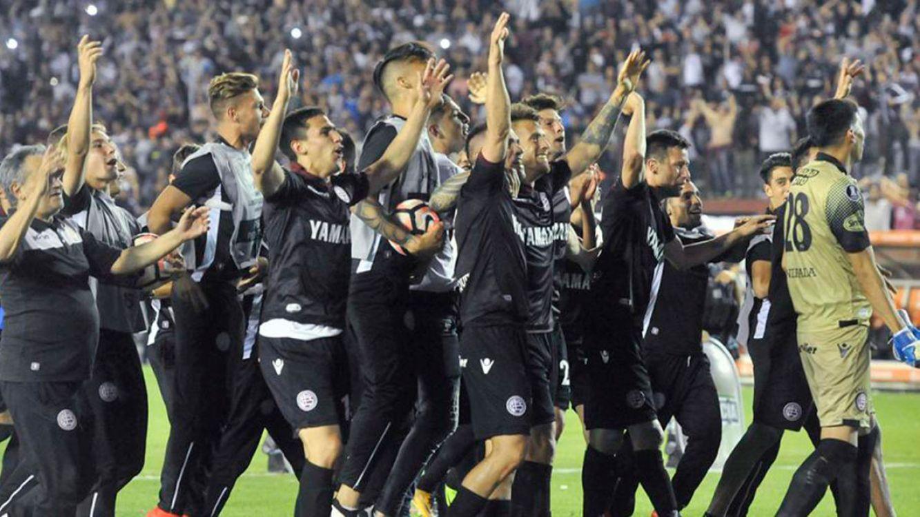 En un partido muy polémico, Lanús le ganó a river y clasificó a la final de la Libertadores