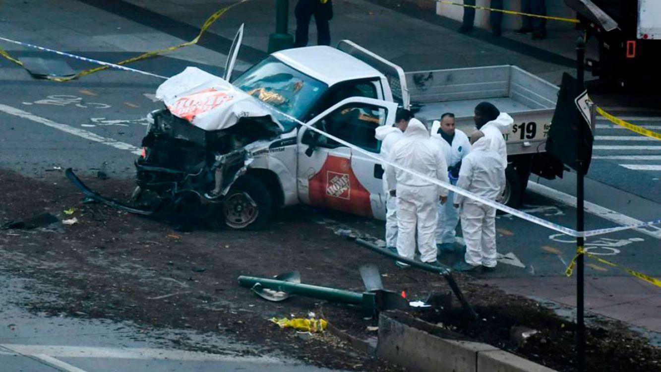 Atentado en Nueva York: 8 muertos entre ellos 5 argentinos y al menos 12 heridos
