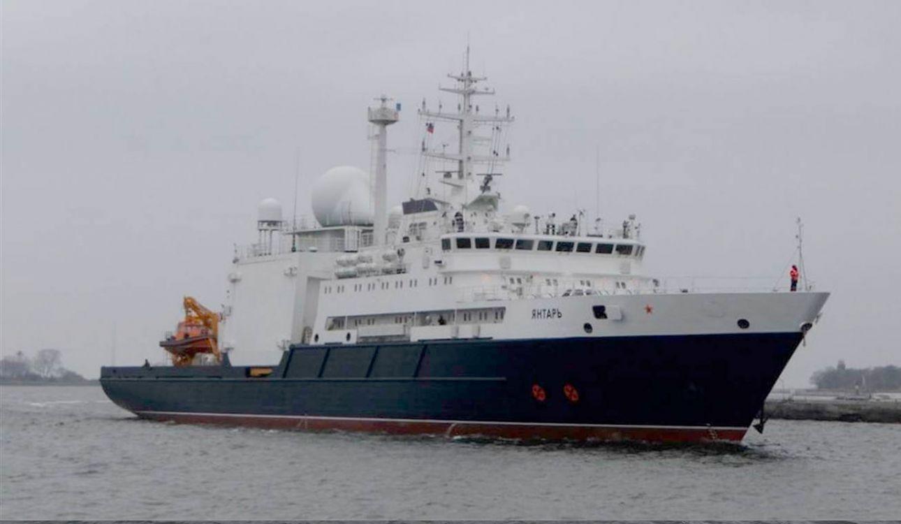 Hoy llega el Yantar, un buque ruso que trae dos vehículos sumergibles que alcanzan los 6000 metros de profundidad.