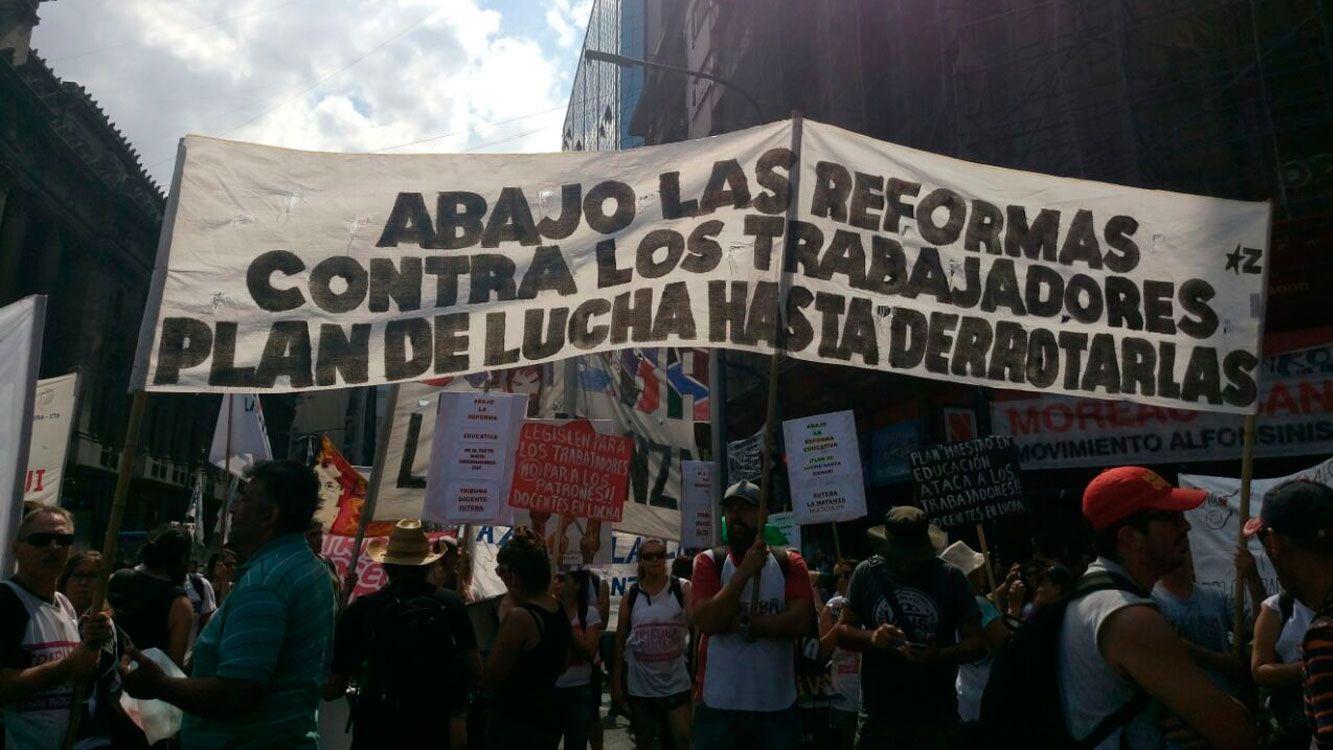 Capital Federal: ATE y la Multisectorial marcharon en repudio a la reforma laboral y previsional