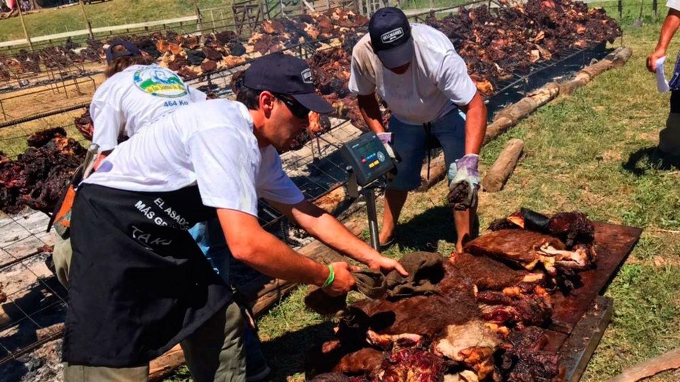 Uruguay hizo el asado más grande del mundo y desplazó a la Argentina del podio