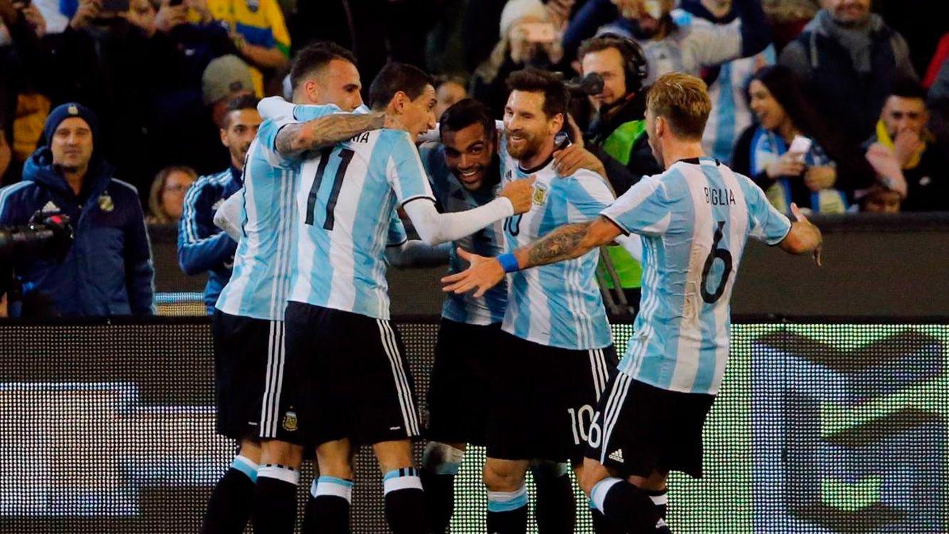 Además, Argentina conservó el cuarto puesto y España se quedó en el sexto lugar. Rusia, el país anfitrión del Mundial, ocupa un alejado 64º puesto.