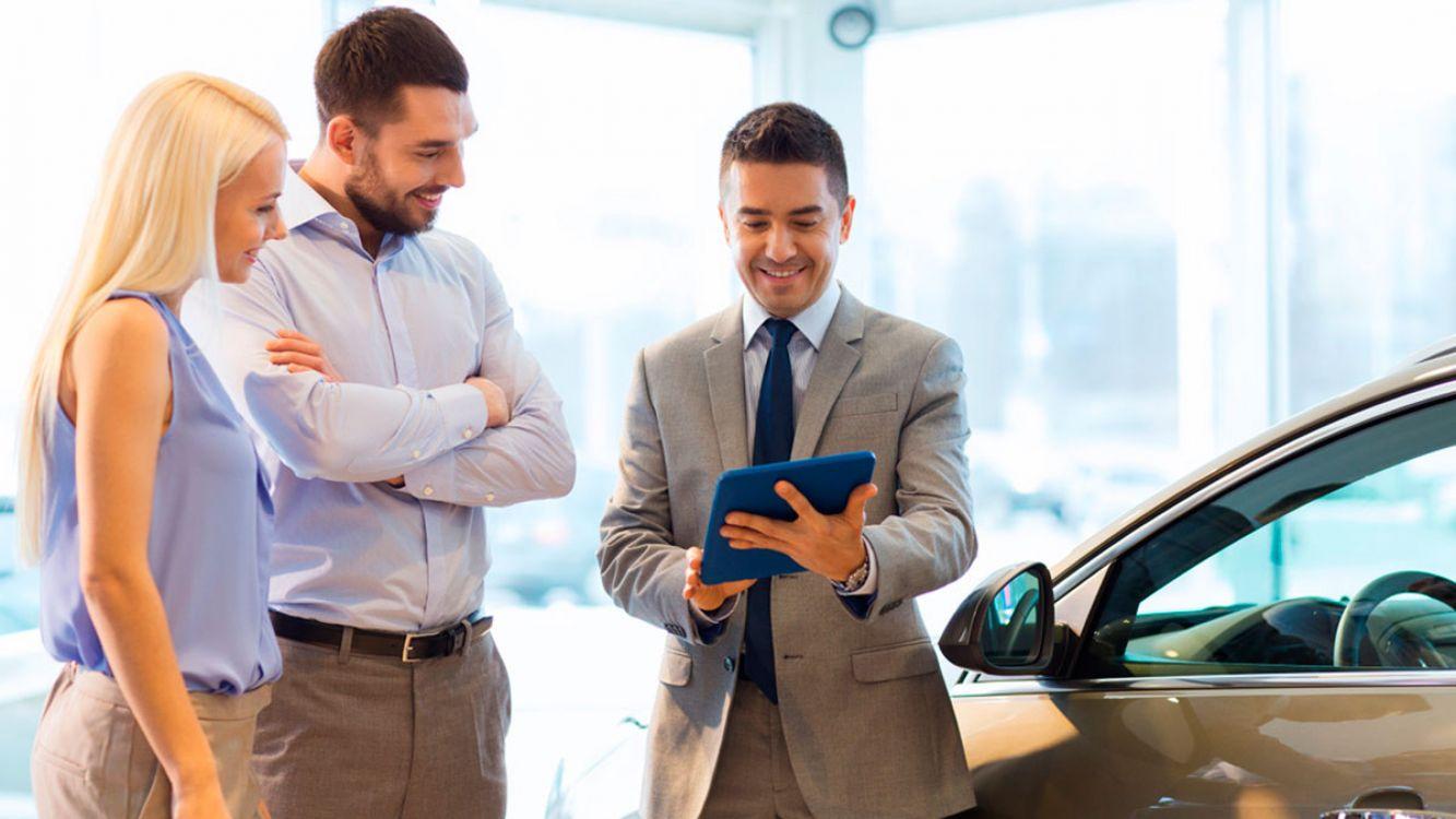 Eliminan impuestos internos para autos de media gama