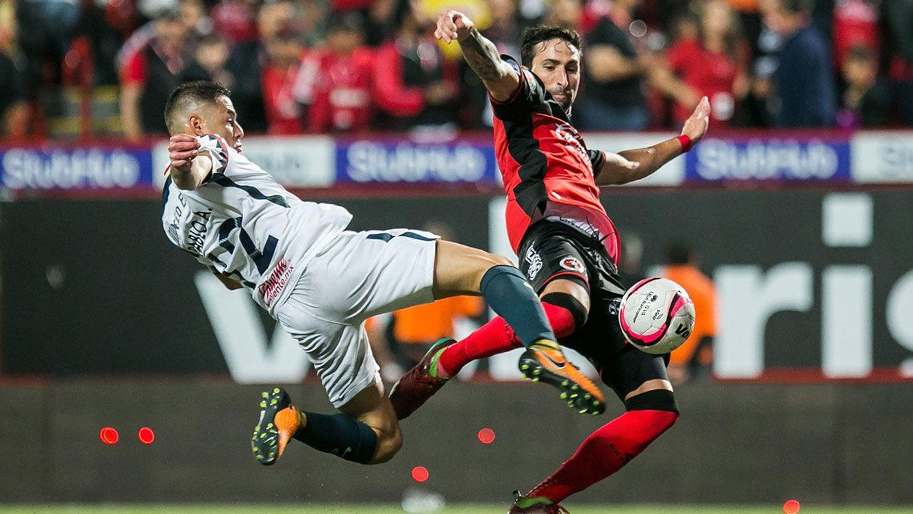 El santafesino, que emigró al fútbol mexicano tras su paso por el Canalla, no tiene decidido regresar al país y eso es el principal impedimento.