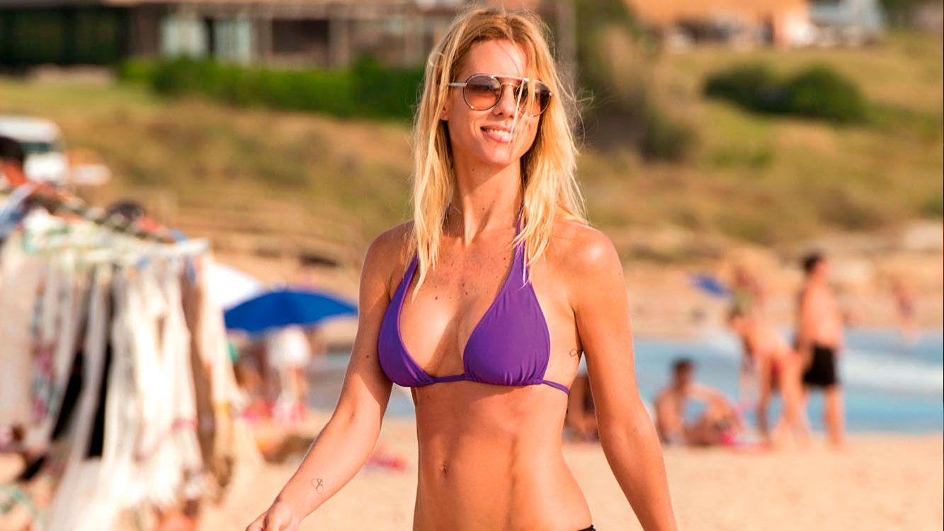 La blonda desembarcó en las playas esteñas para pasar el Año Nuevo con sus tres hijas,Indiana,AllegraySienna.