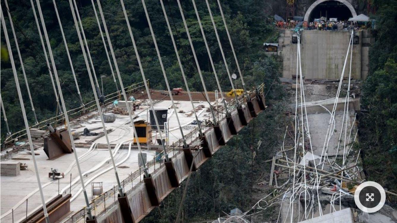 Colombia: se derrumba un enorme puente en construcción y mueren diez personas