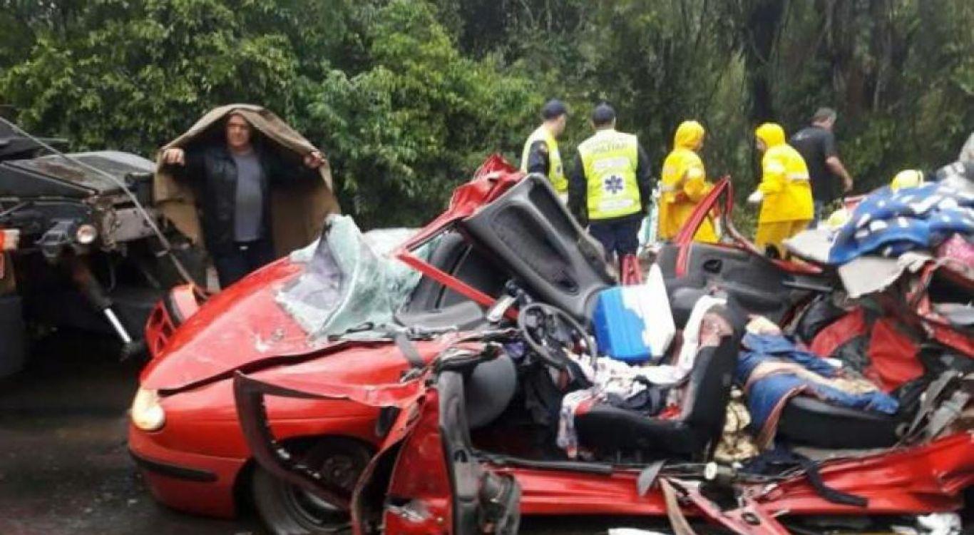 Tres argentinos muertos por un siniestro vial en ruta de Brasil