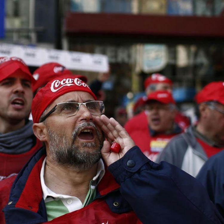No les permitieron el ingreso al predio, indignados decidieron cortar el ingreso y egreso de los camiones repartidores.