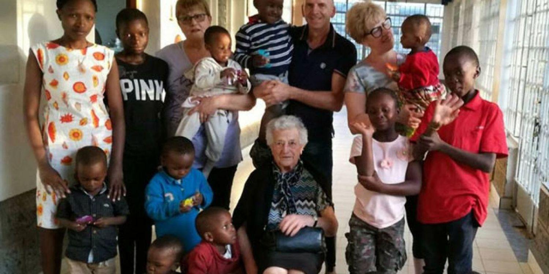 Esta abuelita de 93 años fue a Kenia para ser voluntaria