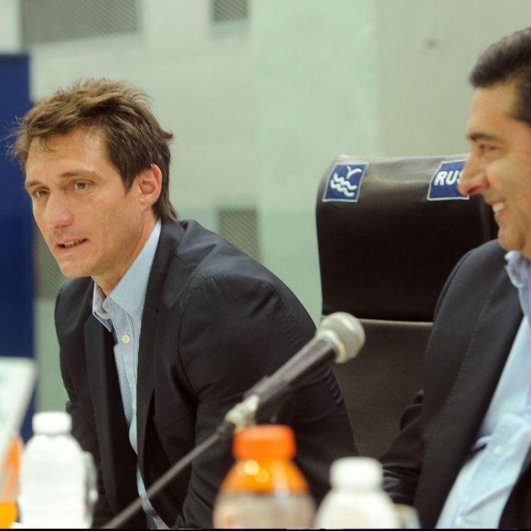 Carlos Tevez seguiría en el club, al igual que los otros referentes Agustín Orión y Daniel Díaz.