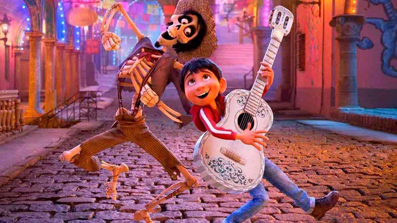 """La mejor película animada es """"Coco"""", inspirada en el Día de Muertos de México"""