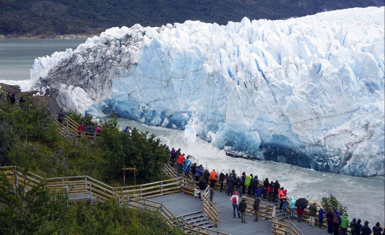 El Glaciar Perito Moreno cayó durante la noche. Video