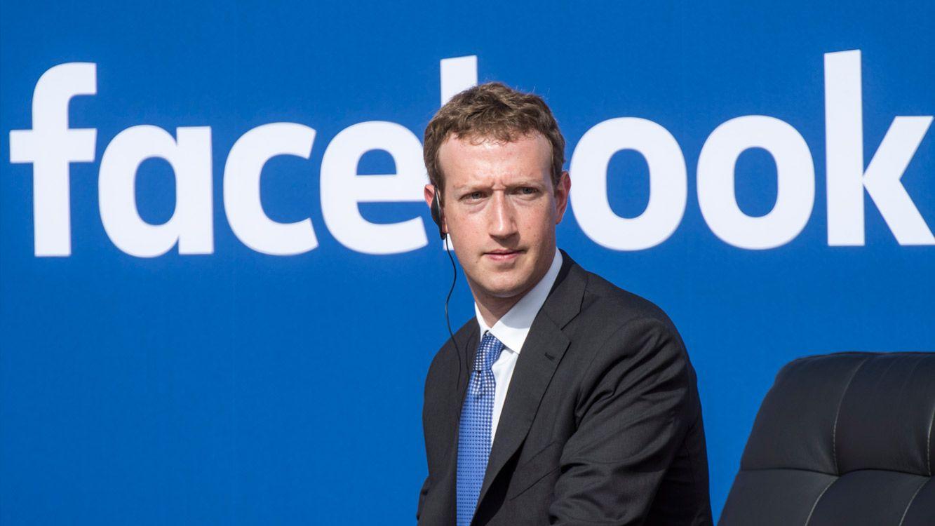 El escándalo comenzó cuando se utilizaron datos de unos 50 millones de usuarios estadounidenses de Facebook para ayudar a Trump en las elecciones.