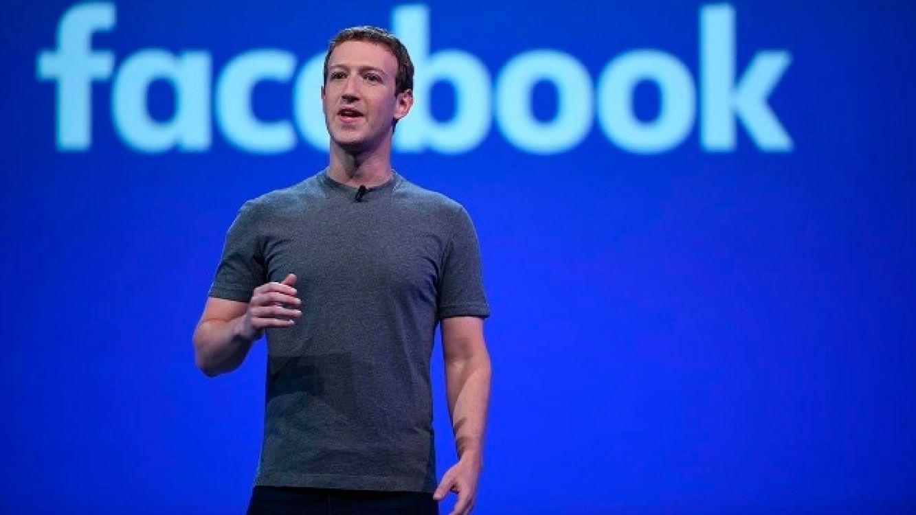 """La red social está envuelta en un escándalo sobre el """"uso indebido"""" de datos personales de 50 millones de sus usuarios con fines políticos."""
