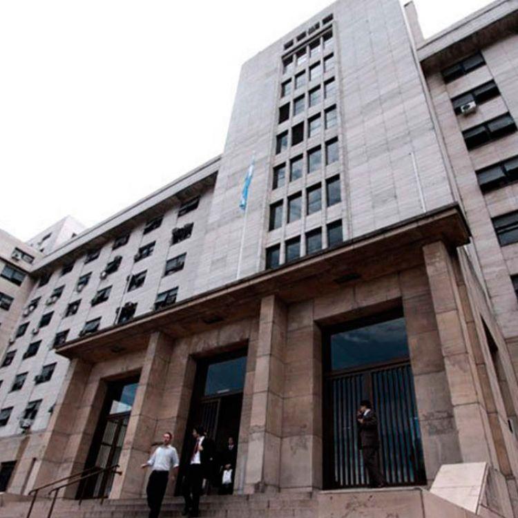 """Rafecas toma declaracióna dos de las """"monjas"""" que viven en el convento en el que detuvieron al ex-secretario de Obras PúblicasJosé López."""