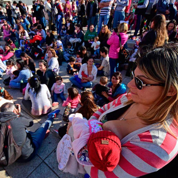 Miles de mujeres se congregaron en las plazas del todo el país