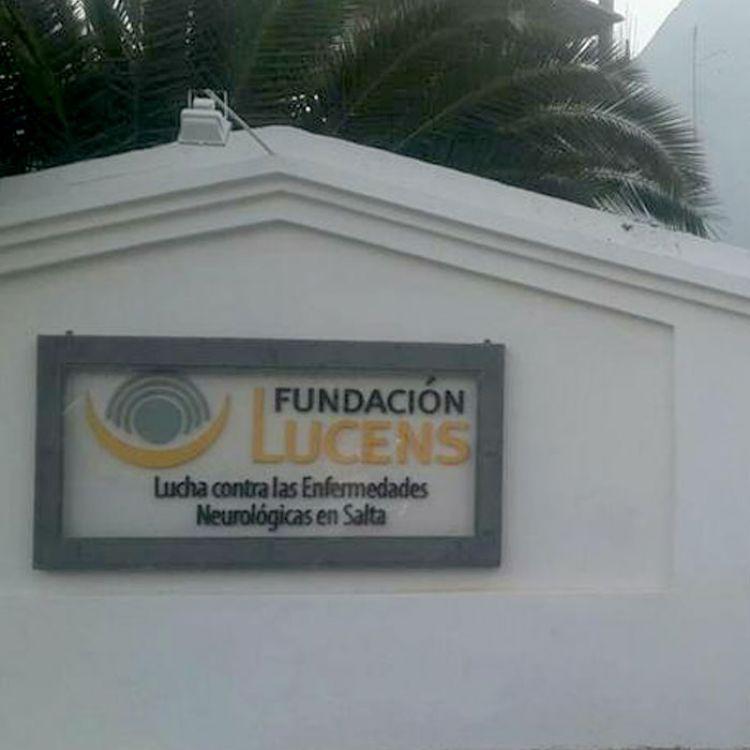 Foto tomada en el exterior de la Fundación Lucens