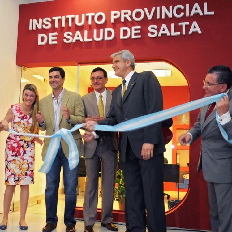 Inaugurando la nueva oficina del IPS