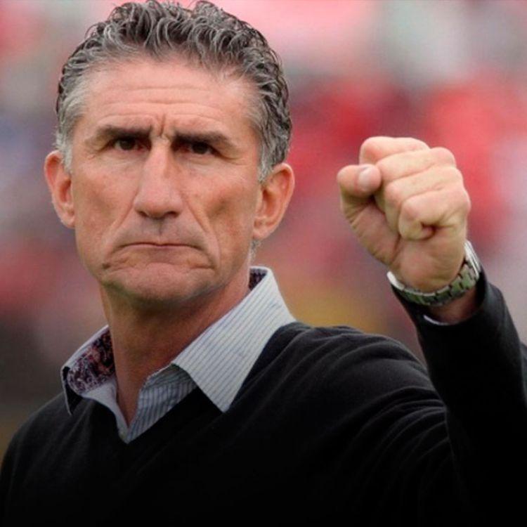 Ante la imposibilidad de contratar a Bielsa y otros entrenadores de Europa se convirtió en el hombre elegido.