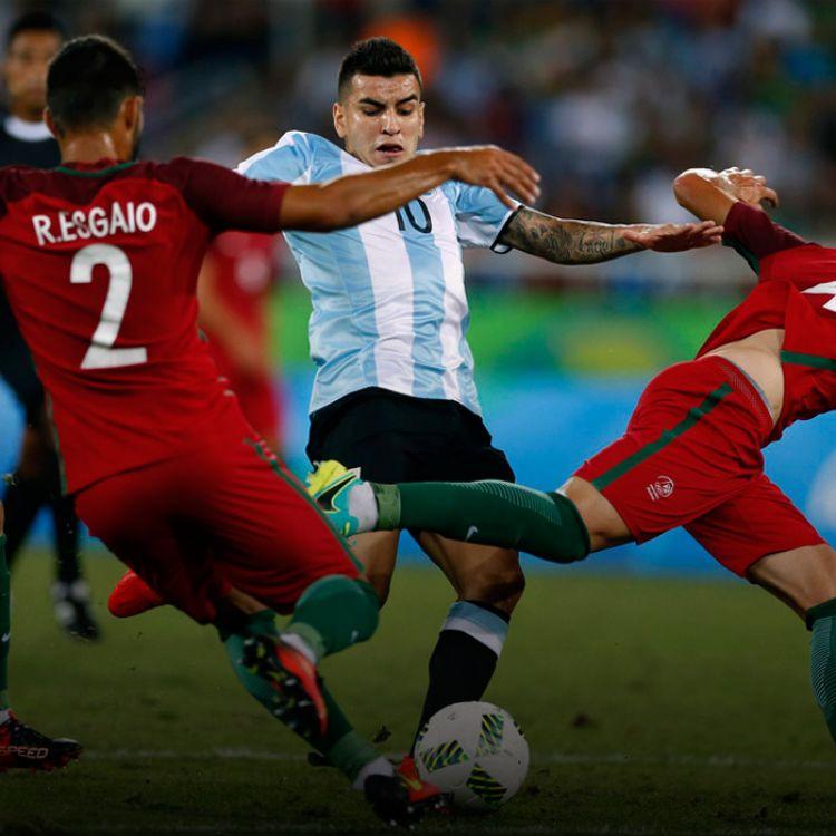 El entrenadorVasco Olarticoecheapondrá desde el arranque a Cristian Pavón, pasando el lateral de Lanús José Luis Gómez a su puesto habitual.
