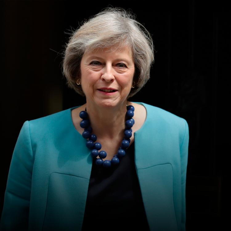 """Theresa May expresó la necesidad de negociar acerca de las""""conexiones aéreas entre las Islas Malvinas y terceros países en la región""""."""