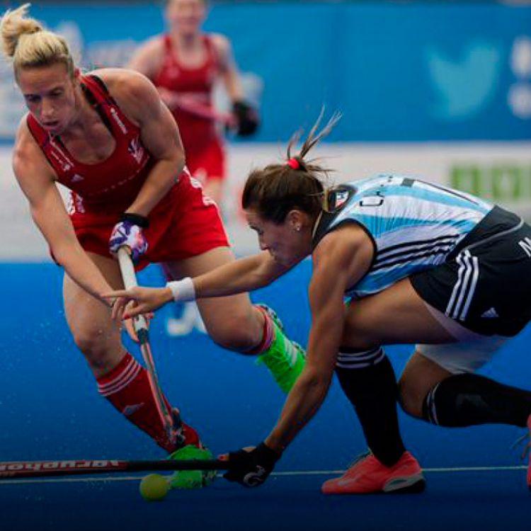 En el debut, Argentina cayó ante Estados Unidos por 2 a 1 y en su segundo encuentro superó por 4 a 0 a Japón.