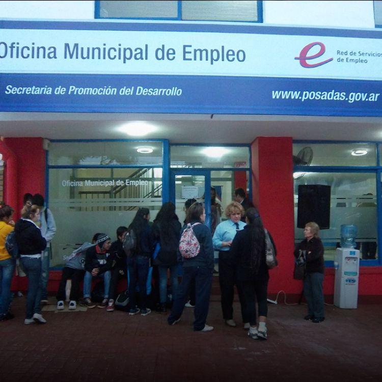 Los nuevos beneficiarios deben retirar sus tarjetas del anexo del Banco Nación.