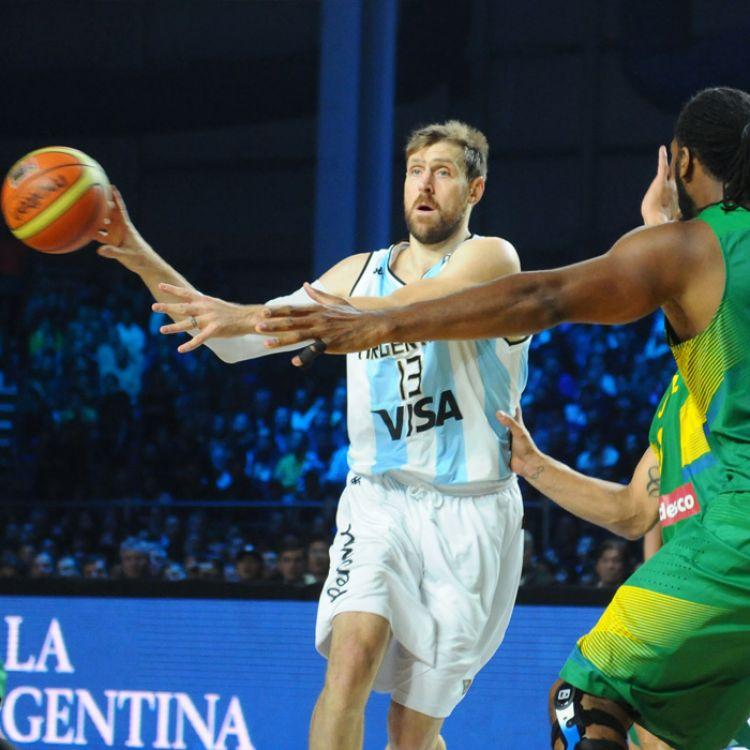 Argentina venció a Brasil por 111 a 107 y se aseguró una medalla
