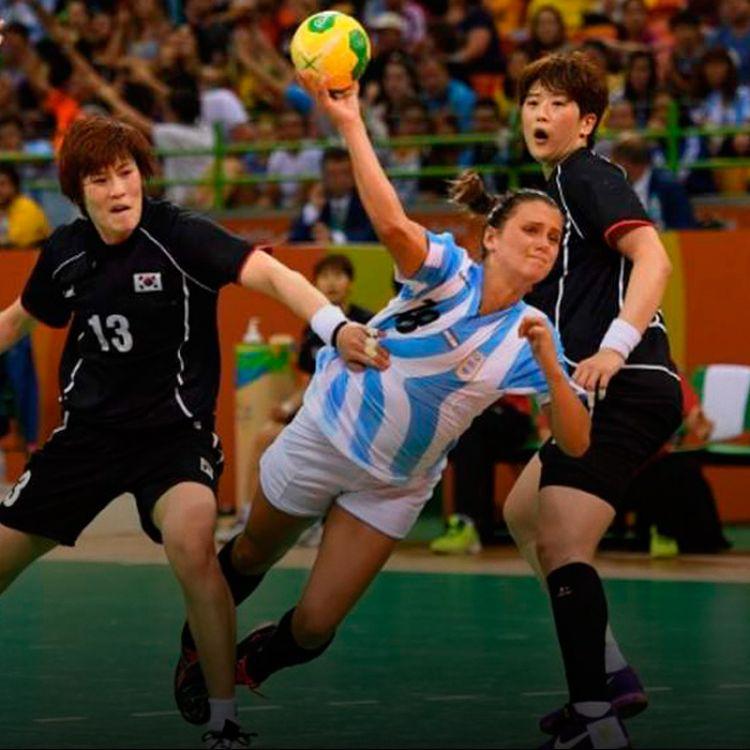 El seleccionado femenino de handball finalizó su primera experiencia olímpica con una derrota.