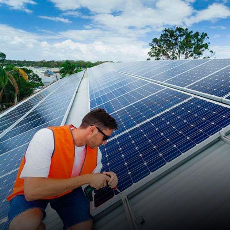 US$ 4000 millones y 60.000 empleos en 5 años en energía solar