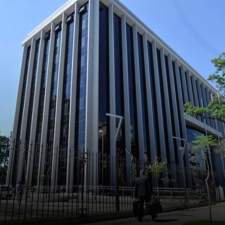 En 2011, el ex legislador inició una demanda que tramitaron los camaristasSergio GanduryEbe López Piossek. Robles cuestionó el sistema utilizado.