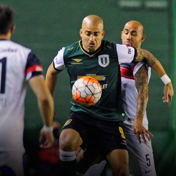 Santiago Silva, delantero de Banfield