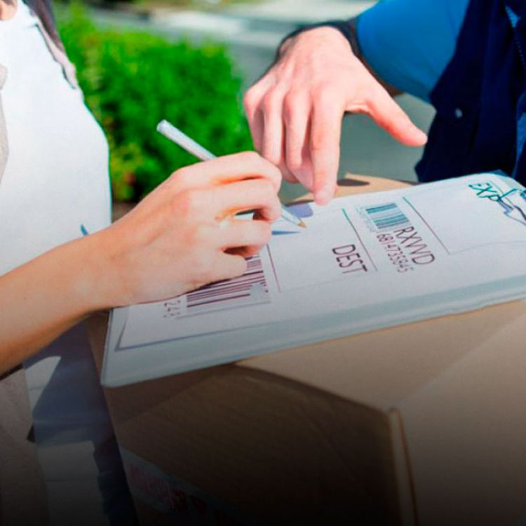Para las dudas que puedan surgir con los trámites vinculados a compras al exterior, la AFIP publicará el micrositio www.afip.gob.ar/puertaapuerta.