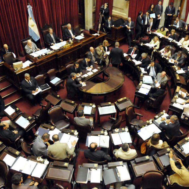 diputados Lucas Godoy, Raúl Medina y Matías Posadas y los senadores Diego Pérez, Silvina Abilés y Ana Guerra.