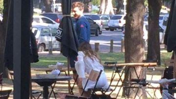 Pampita y Mónaco abandonaron el lugar juntos. Foto: Infobae.