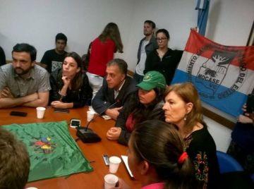 Los miembros del MOCASE llevaron hoy su denuncia contra Manaos al Congreso.