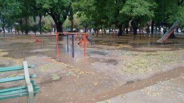 Plazas y calles inundadas.