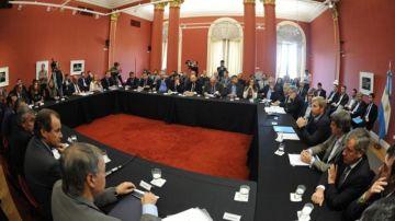 Gobernadores y funcionarios en Casa Rosada.