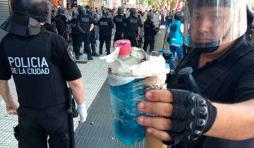 Una de las bombas molotov que arrojaban en la manifestación.