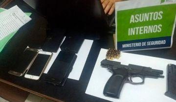 Algunas de las pertenencias de la banda delictiva.