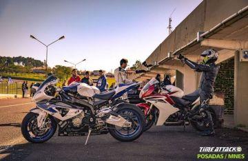Motos preparándose para el evento internacional que llega a Posadas.