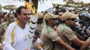 La antorcha olímpica fue exhibida en distintas partes del país por deportistas reconocidos de Brasil