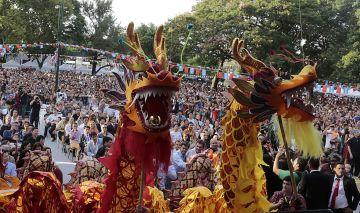 Buenos Aires celebra Bolivia y China: