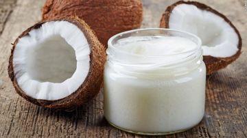 Cómo usar el aceite de coco para hidratar la piel