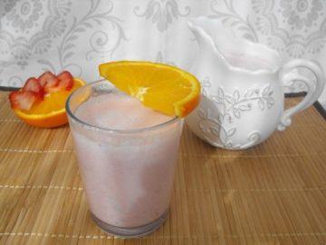 Batido de aloe vera con naranja y fresas